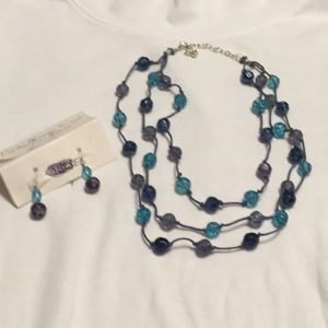 NAVY/BLUE NECKLACE & EARRINGS 2 for $15